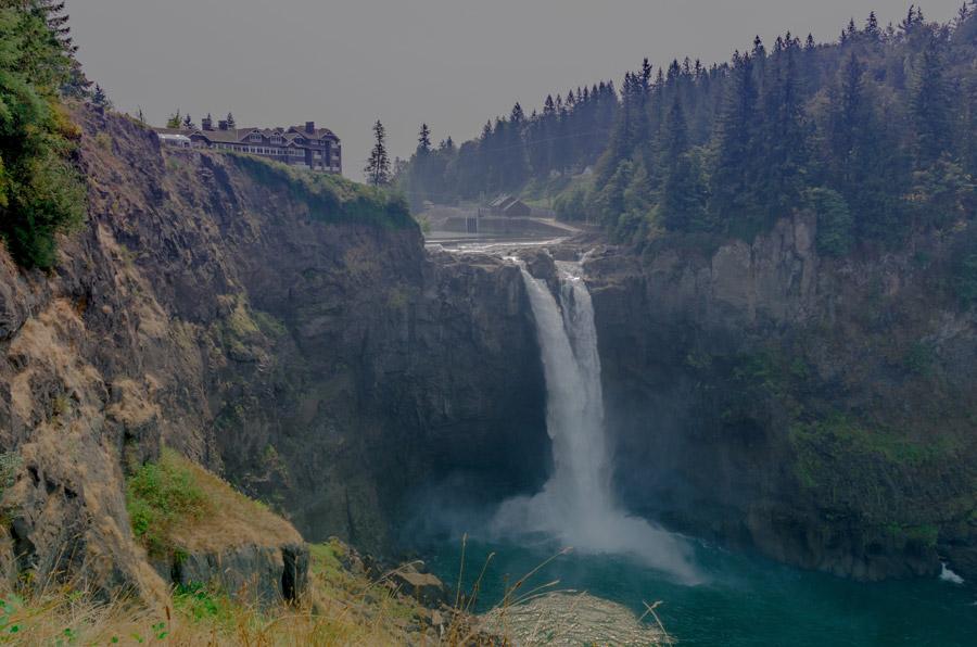 フリー写真 スノコルミー滝の風景