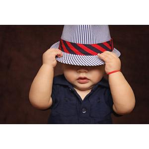 フリー写真, 人物, 子供, 赤ちゃん, 帽子, 目を覆う