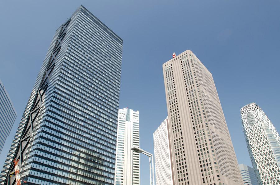 フリー写真 東京都新宿区のオフィスビルの風景