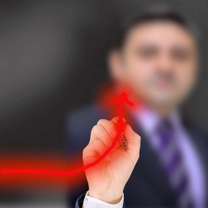フリー写真 上昇する矢印とビジネスマン