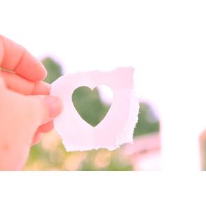 フリー写真, 人体, 手, ハート, 紙(ペーパー), 愛(ラブ)