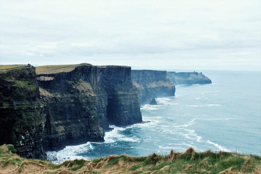 フリー写真 アイルランドの海岸の崖の風景