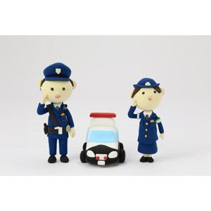 フリー写真, 人形, 職業, 仕事, 警察, 警察官(お巡りさん), 婦人警官(婦警), 敬礼, パトカー