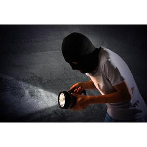 フリー写真, 人物, 犯罪, 犯人, 泥棒, 窃盗, 強盗, 覆面, 懐中電灯