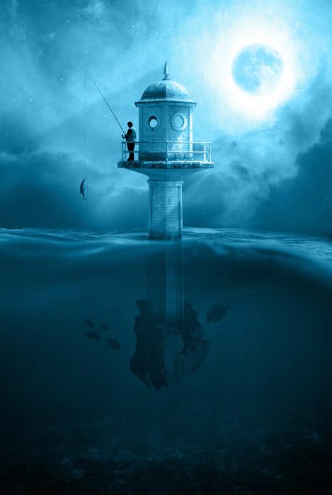 フリー写真 海に浮かぶ灯台と月と釣り人