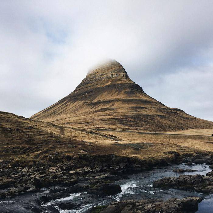 フリー写真 アイスランドのキルキュフェットル山