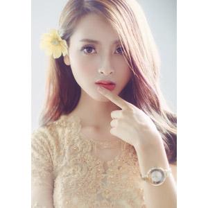 フリー写真, 人物, 女性, アジア人女性, ベトナム人, 唇に指を当てる, 人と花