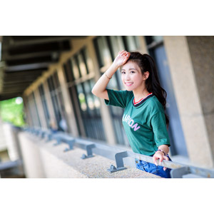 フリー写真, 人物, 女性, アジア人女性, 楚珊(00053), 中国人, 額に手を当てる, Tシャツ