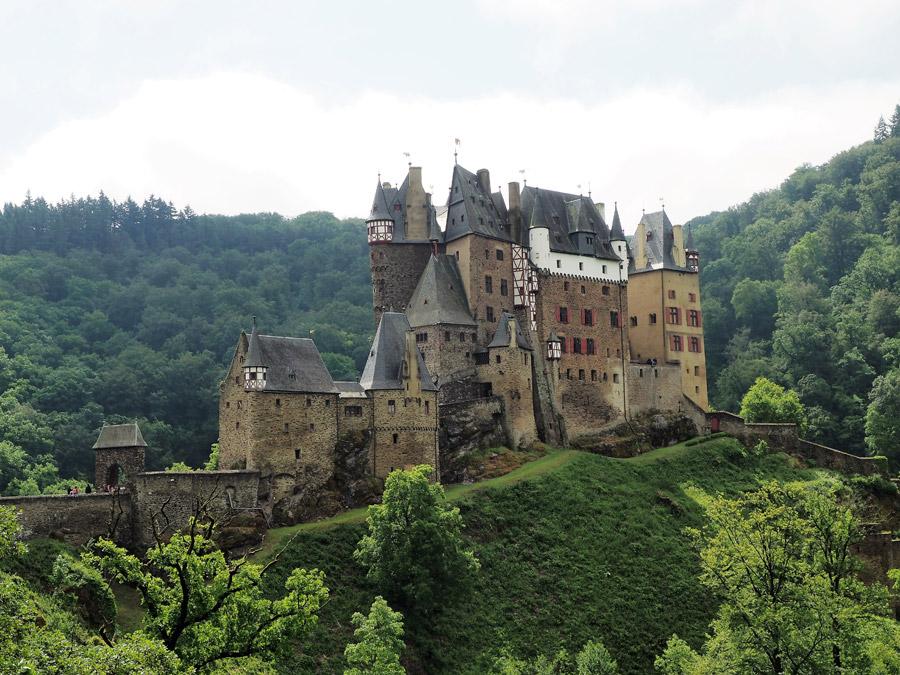 フリー写真 エルツ城の風景