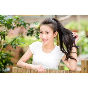 フリー写真, 人物, 女性, アジア人女性, 楚珊(00053), 中国人, ポニーテール, 髪の毛を触る