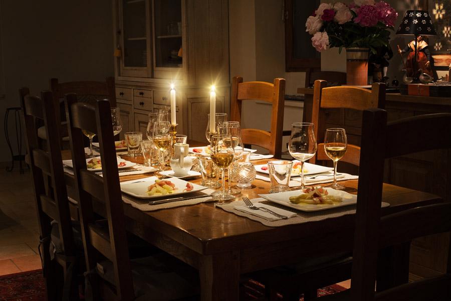 フリー写真 ディナーの食卓風景