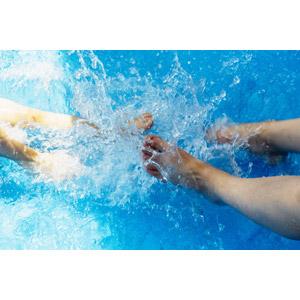 フリー写真, 人体, 足, 水, 水しぶき, プール, 夏