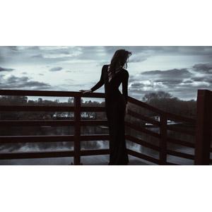 フリー写真, 人物, 女性, 外国人女性, 人と風景, ドレス, 振り返る