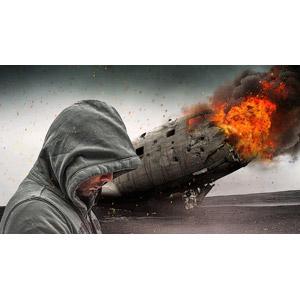 フリー写真, フォトレタッチ, 人物, 男性, フード, 俯く(下を向く), パーカー, 乗り物, 航空機, 飛行機, 爆発, 火(炎), 煙(スモーク), テロリズム, テロリスト, 犯罪