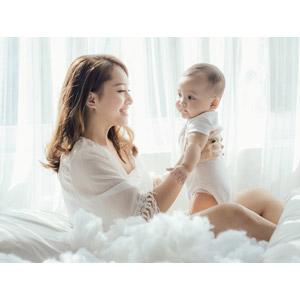 フリー写真, 人物, 親子, 母親(お母さん), 子供, 赤ちゃん, 横顔, 二人, 綿