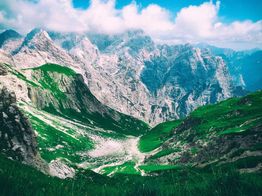 フリー写真 チモラーイスのアルプス山脈の風景