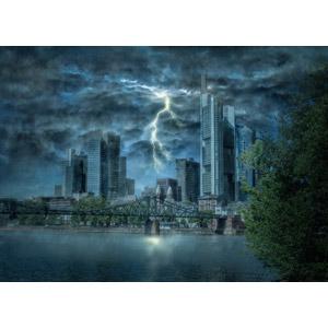 フリー写真, フォトレタッチ, 風景, 建造物, 建築物, 高層ビル, 都市, 街並み(町並み), 橋, 嵐, 落雷(カミナリ), 暗雲, 河川, 雨