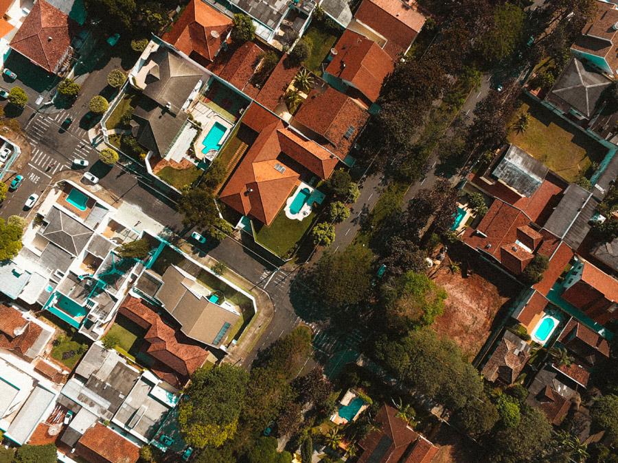 フリー写真 真上から見るブラジルの住宅街の風景