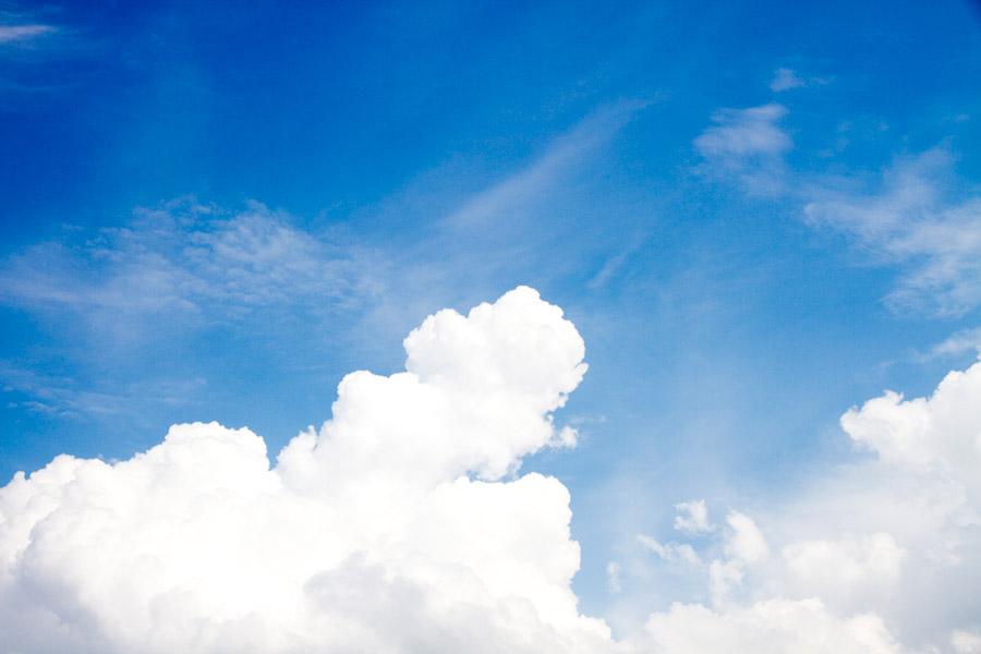 フリー写真 夏の青空と雲の風景