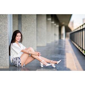 フリー写真, 人物, 女性, アジア人女性, 楚珊(00053), 中国人, ショートパンツ, 座る(床)