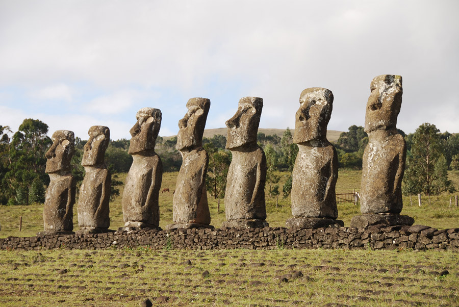 フリー写真 イースター島のモアイ像