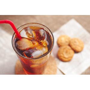フリー写真, 飲み物(飲料), 紅茶, アイスティー, クッキー(ビスケット)