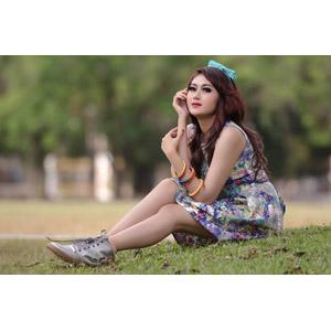 フリー写真, 人物, 女性, アジア人女性, インドネシア人, 座る(地面)