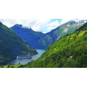 フリー写真, 風景, フィヨルド, 渓谷, 世界遺産, 乗り物, 船, 客船, ノルウェーの風景, ガイランゲルフィヨルド