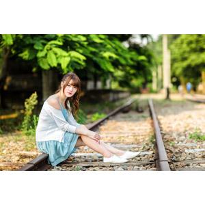 フリー写真, 人物, 女性, アジア人女性, 欣欣(00001), 中国人, 線路(鉄道)