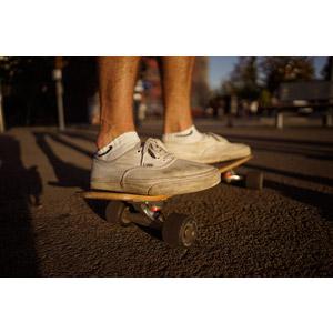 フリー写真, 人体, 足, 靴(シューズ), スニーカー, スケートボード(スケボー), スポーツ
