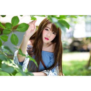 フリー写真, 人物, 女性, アジア人女性, 欣欣(00001), 中国人, 植物, 葉っぱ