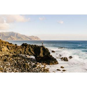 フリー写真, 風景, 海岸, 崖, 人と風景, 海, 歓喜, 見上げる(上を向く), アメリカの風景, ハワイ州