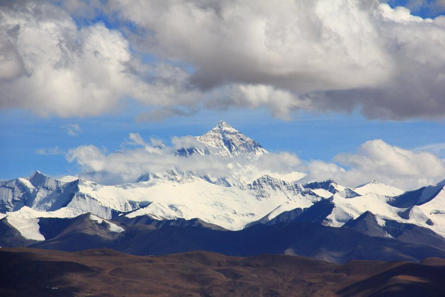 フリー写真 エベレストと雲の風景