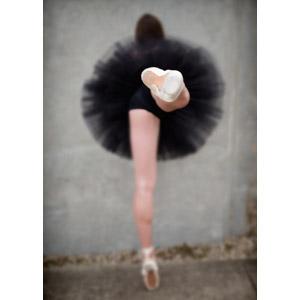 フリー写真, 人物, 女性, 踊る(ダンス), バレリーナ, つま先立ち, 後ろ姿