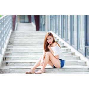 フリー写真, 人物, 女性, アジア人女性, 小潔(00183), 中国人, ショートパンツ, 座る(階段)