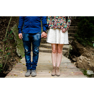 フリー写真, 人物, カップル, 夫婦, 手をつなぐ, 脚, 二人