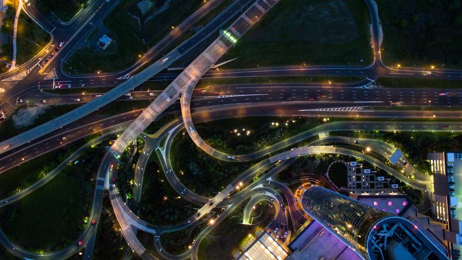 フリー写真 真上から見る高速道路の風景