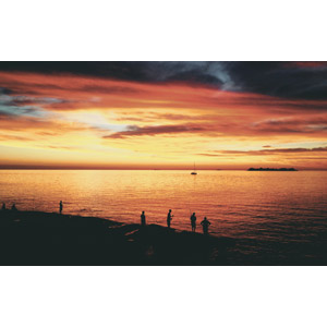 フリー写真, 風景, 夕暮れ(夕方), 夕焼け, 海, 海岸, 人と風景, 魚釣り(フィッシング), シルエット(人物), ウルグアイの風景