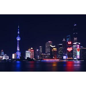 フリー写真, 風景, 建造物, 建築物, 高層ビル, 都市, 街並み(町並み), 塔(タワー), 中国の風景, 上海市, 東方明珠電視塔, 夜, 夜景