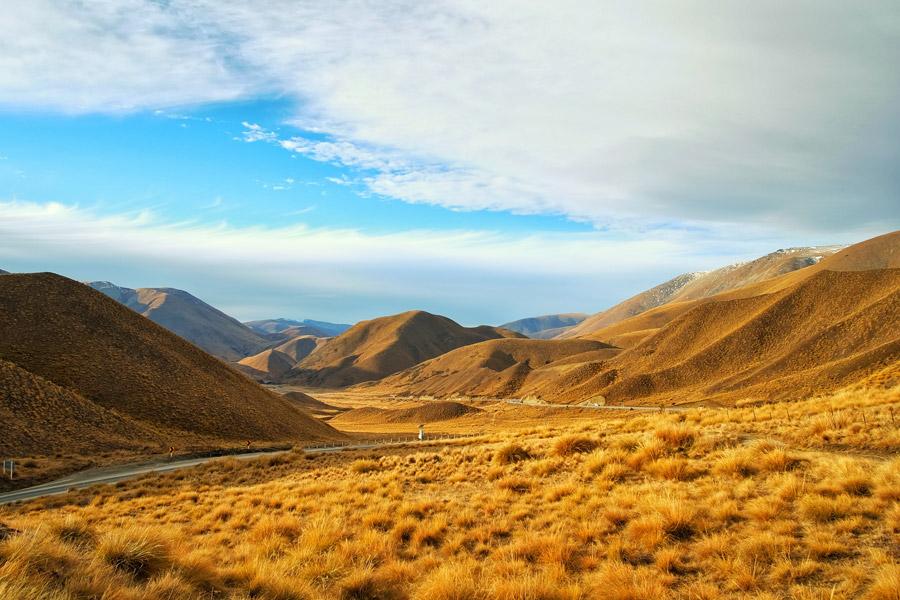 フリー写真 ニュージーランドの山脈と荒野の風景