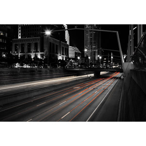フリー写真, 風景, 建造物, 建築物, 高層ビル, 都市, 街並み(町並み), 道路, 高速道路, 夜, 光線, アメリカの風景, オハイオ州