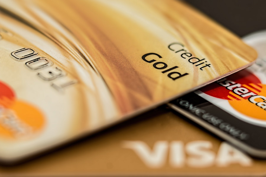 フリー写真 ゴールドのクレジットカード