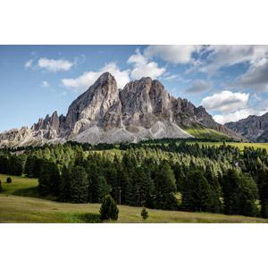 フリー写真, 風景, 山, 岩山, 樹木, イタリアの風景
