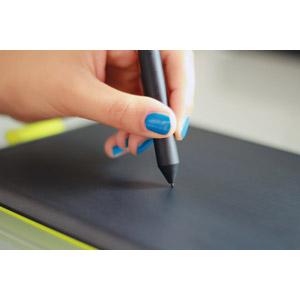 フリー写真, 人体, 手, パソコンの周辺機器, ペンタブレット, 絵を描く