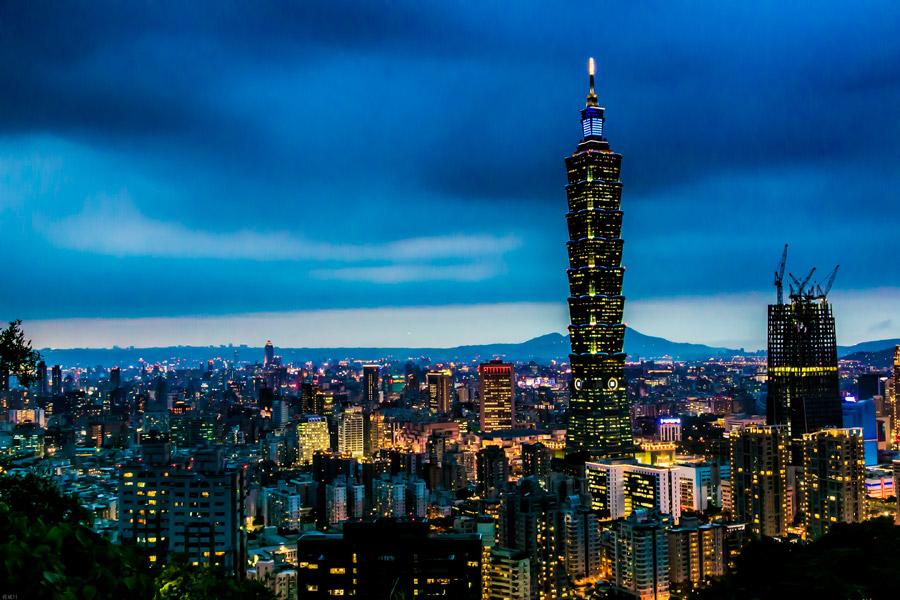 フリー写真 台北101と台北市の夜景