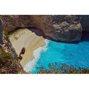 フリー写真, 風景, 海, ビーチ(砂浜), 座礁船(放置船), 崖, ナヴァイオ海岸, ギリシャの風景, ザキントス島