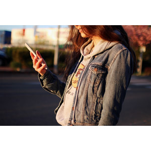 フリー写真, 人物, 女性, 携帯電話, スマートフォン(スマホ)