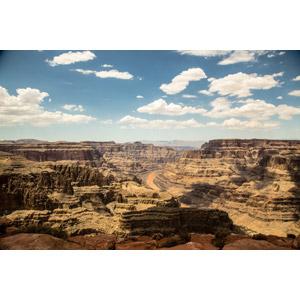 フリー写真, 風景, 自然, 渓谷, 河川, グランド・キャニオン, 世界遺産, アメリカの風景, アリゾナ州, 雲, 青空, コロラド川