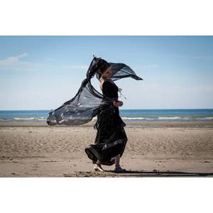 フリー写真, 人物, 女性, 外国人女性, 踊る(ダンス), サリー, 人と風景, 踊り子(ダンサー), ビーチ(砂浜)