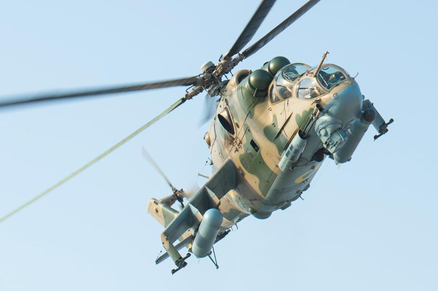 フリー写真 Mi-24ハインドの攻撃ヘリコプター